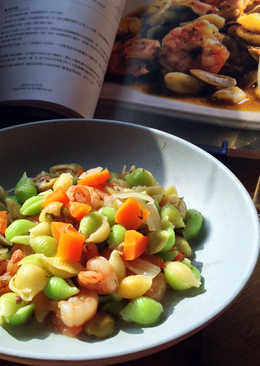 【貓耳朵麵佐鮮蝦、迷迭香和綠橄欖】