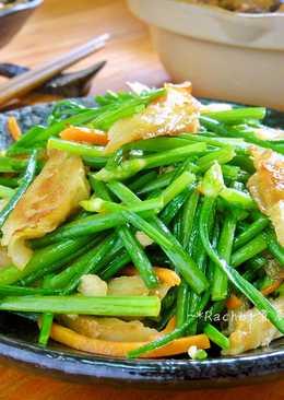 炒韭菜花甜不辣