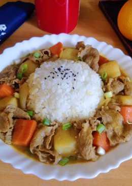 牛肉咖哩(飯)