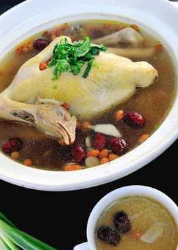 【家樂福廚房】牛蒡紅棗枸杞雞湯