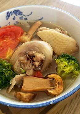 有心食譜:番茄蘑菇時蔬雞湯
