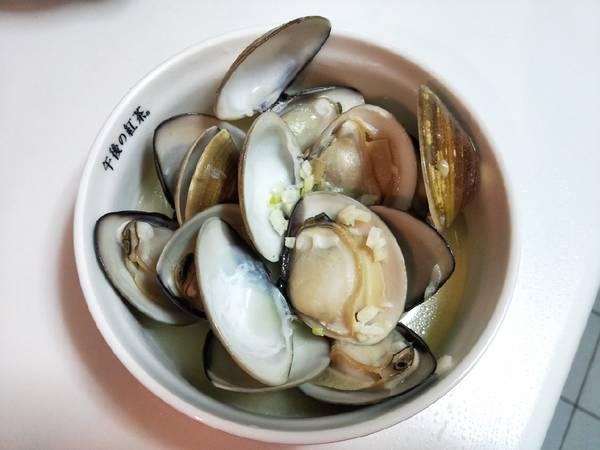 蒜香酒煮大蛤蜊