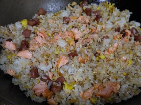 海陸雙棲蛋炒飯食譜步驟4照片