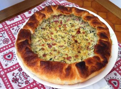 Torta Salata con ricotta zucchine e pancetta