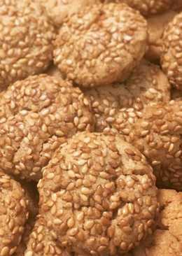 Biscotti al burro d'arachidi e semi di sesamo
