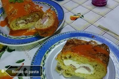 Rotolo di spaghetti ripieno