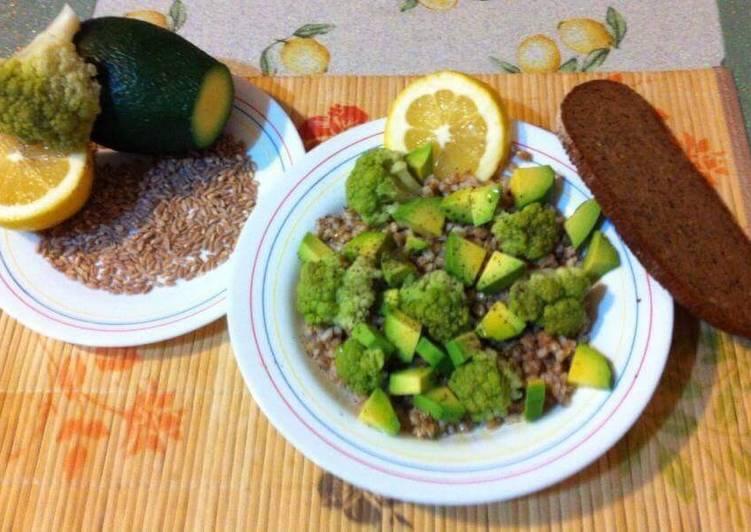 #cookpad e #ciaksicucina Broccoli, farro perlato e avocado !
