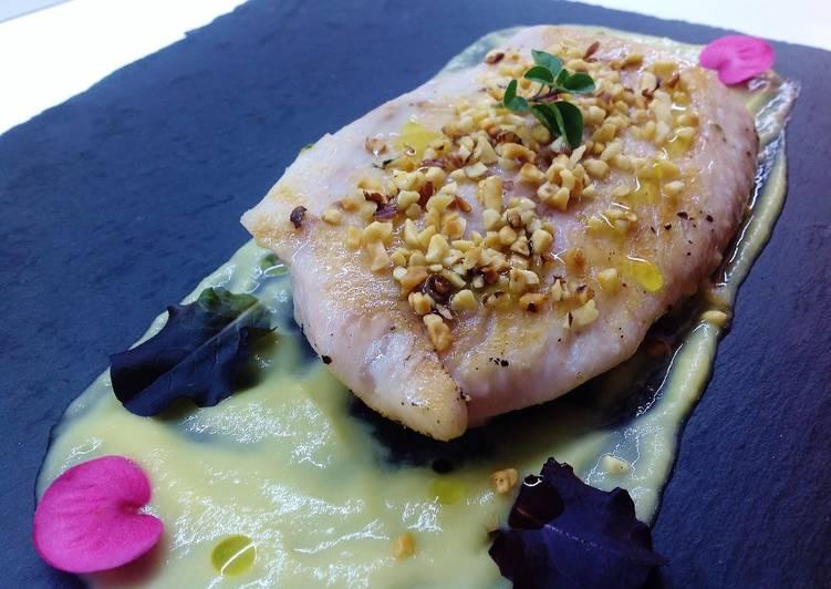 Ricetta Filetto Di Pesce Persico Su Crema Di Acciughe E Porro E