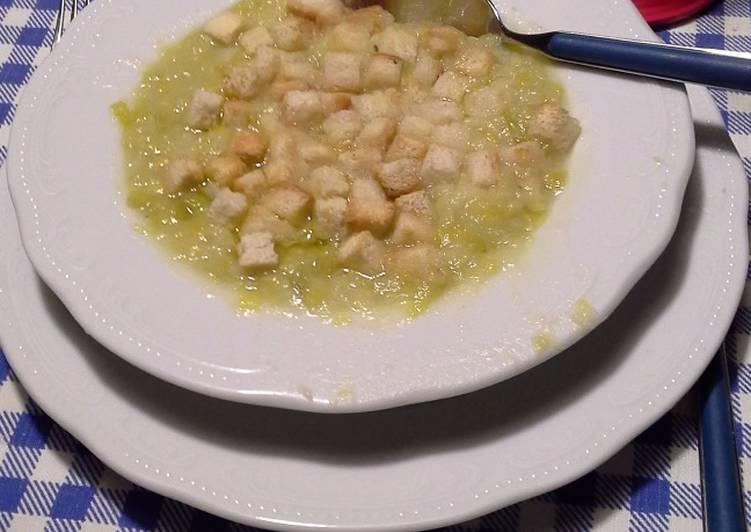 Zuppa paesana di porro e patate