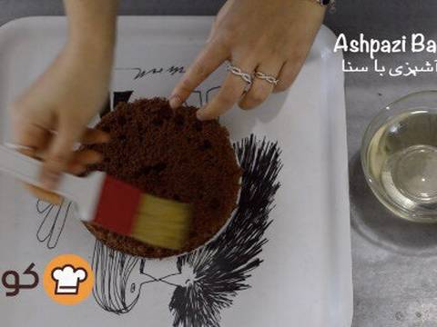 مراحل دستور آموزش پایه ای و اصولی خامه کشی اولیه کیک برای انواع تزیینات روی کیک عکس 8