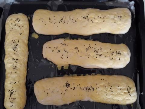مراحل دستور نان ترد برای صبحانه عکس 5