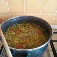 Borsóleves recept pirított zöldségekkel