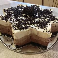 Fotós komment ehhez: Tripla csokis mousse torta Oreos keksz alappal sütés nélkül