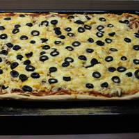 Sonkás, gombás pizza