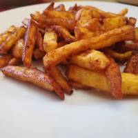 Fűszeres, parmezánsajtos sült burgonya