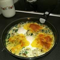 Spenótos-gombás tojás sütőben sütve