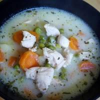 Tárkonyos csirkeragu leves