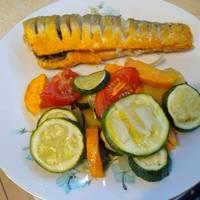 Édesburgonyás, cukkinis színes zöldségtál