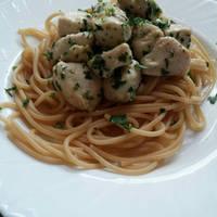 Fokhagymás-csirkés spagetti