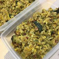 Gyors zöldséges rizseshús tojással