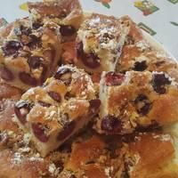 Cseresznyés piskóta süti