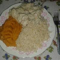 Gombás-kakukkfüves csirkemell recept édesburgonyapürével, rizzsel