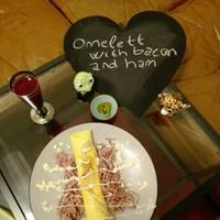 Egyszerű töltött omlett recept reggelire
