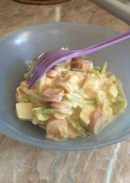 Virslis-tojásos saláta