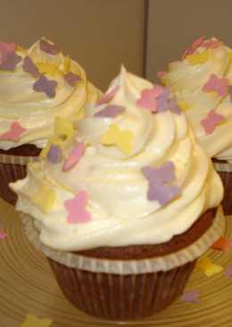 Csokoládés cupcake recept krémsajtos toppinggal