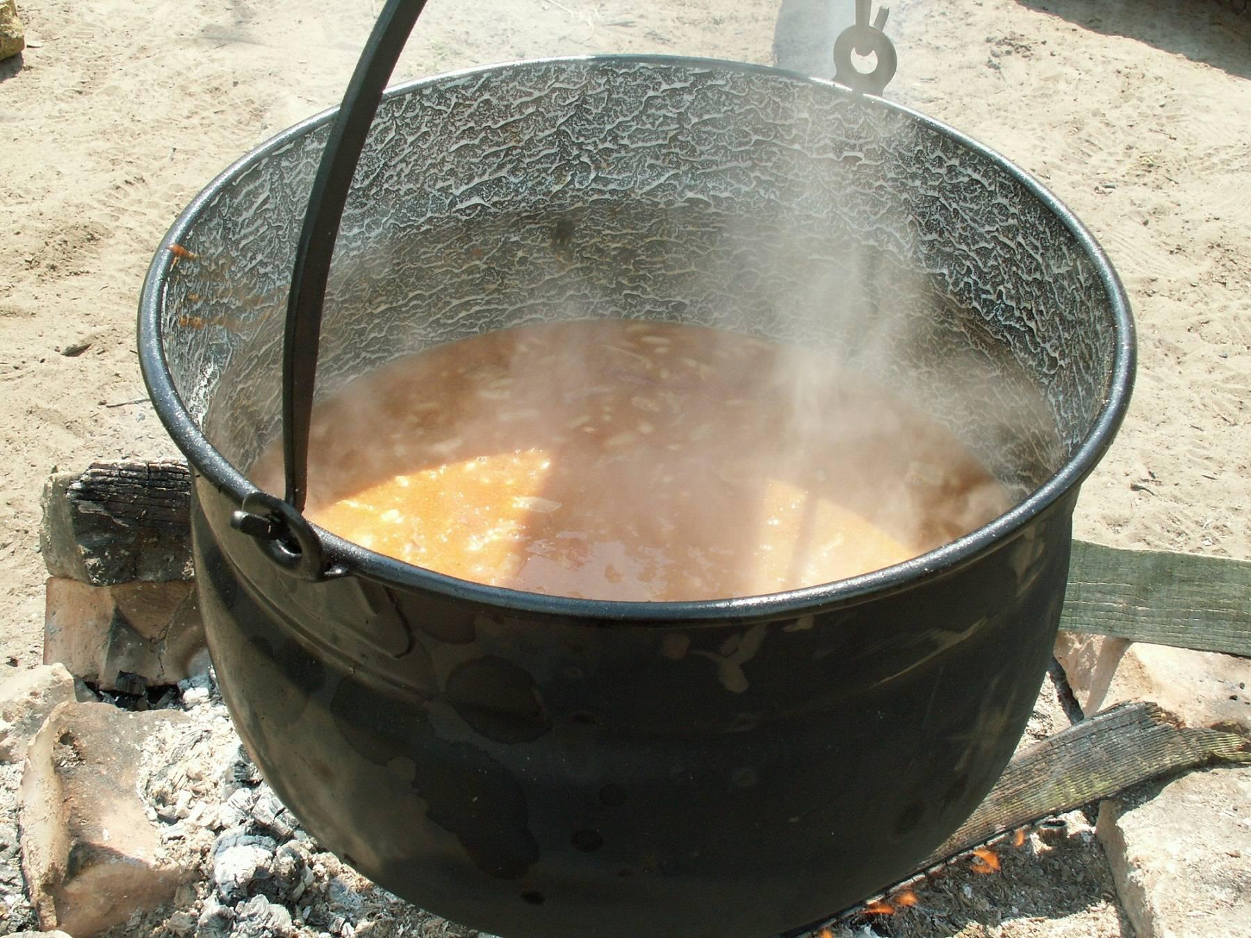 Bográcsos chilis bab recept főfotó