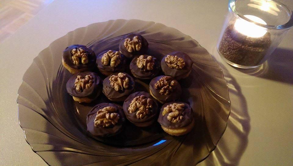 Hausfreund (házibarát) apró sütemény recept főfotó