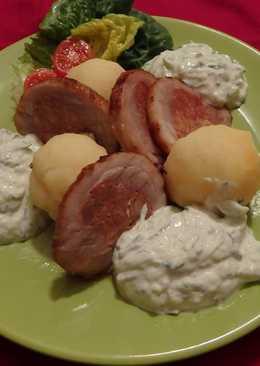 Töltött császárhús, joghurtos uborkával, burgonyagombóccal