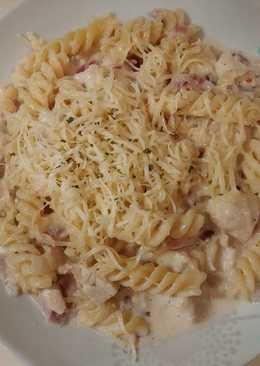 Csirkés-hagymás tészta