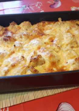 Rakott pulykamell karfiollal, sajttal, tejföllel