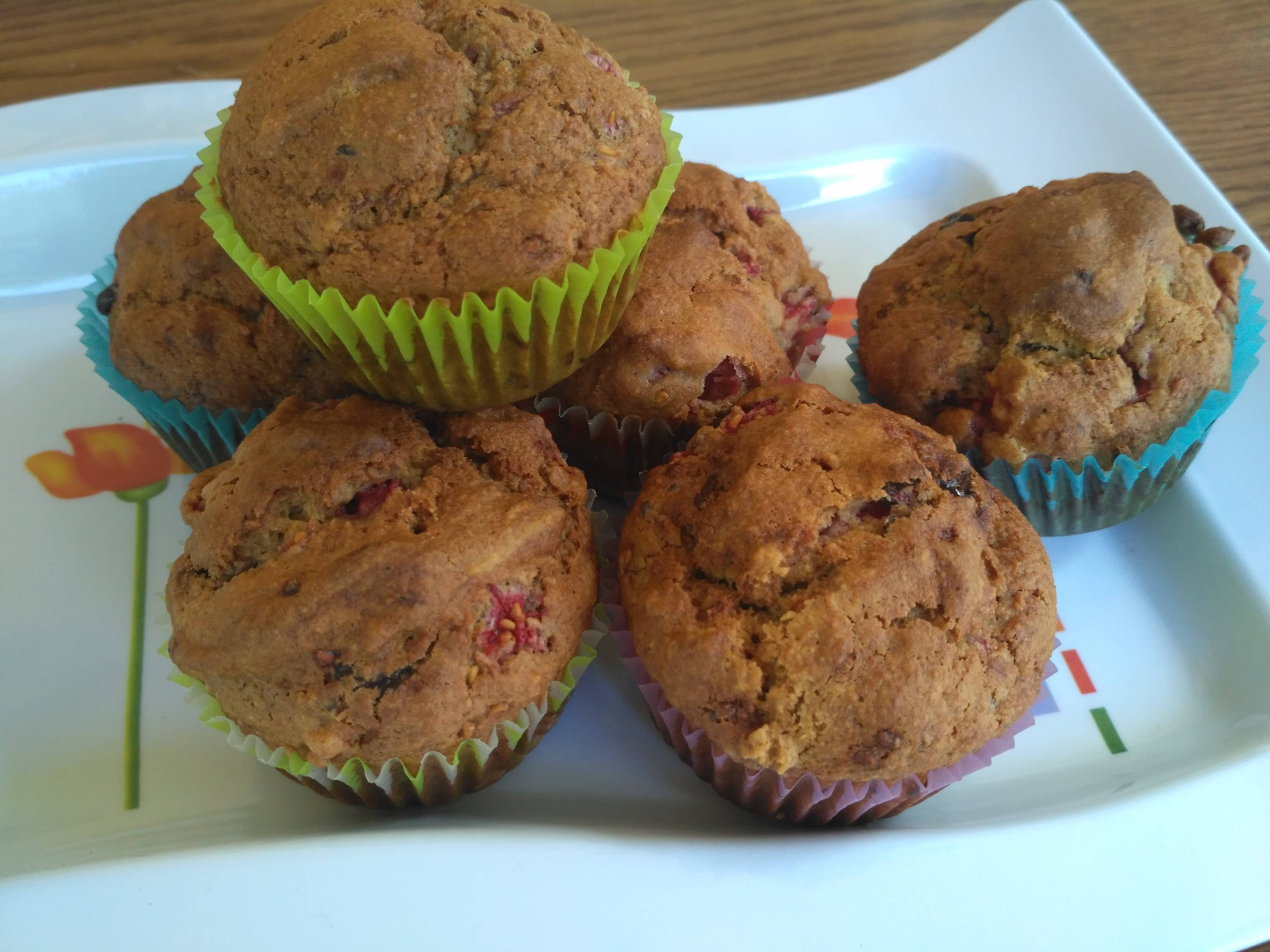 Málnás-csokis muffin recept zabpehelylisztből főfotó