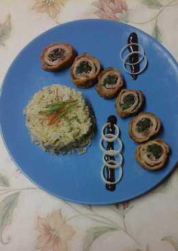 Parajos baconos sertés tekercs párolt rizzsel