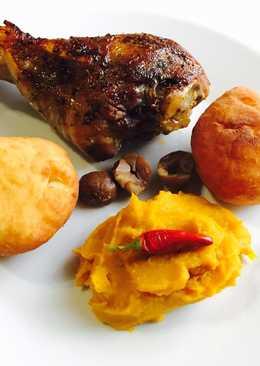 Pulykacomb chilis-mangós-sütőtökpürével-gesztenyével töltött burgonyafánkkal