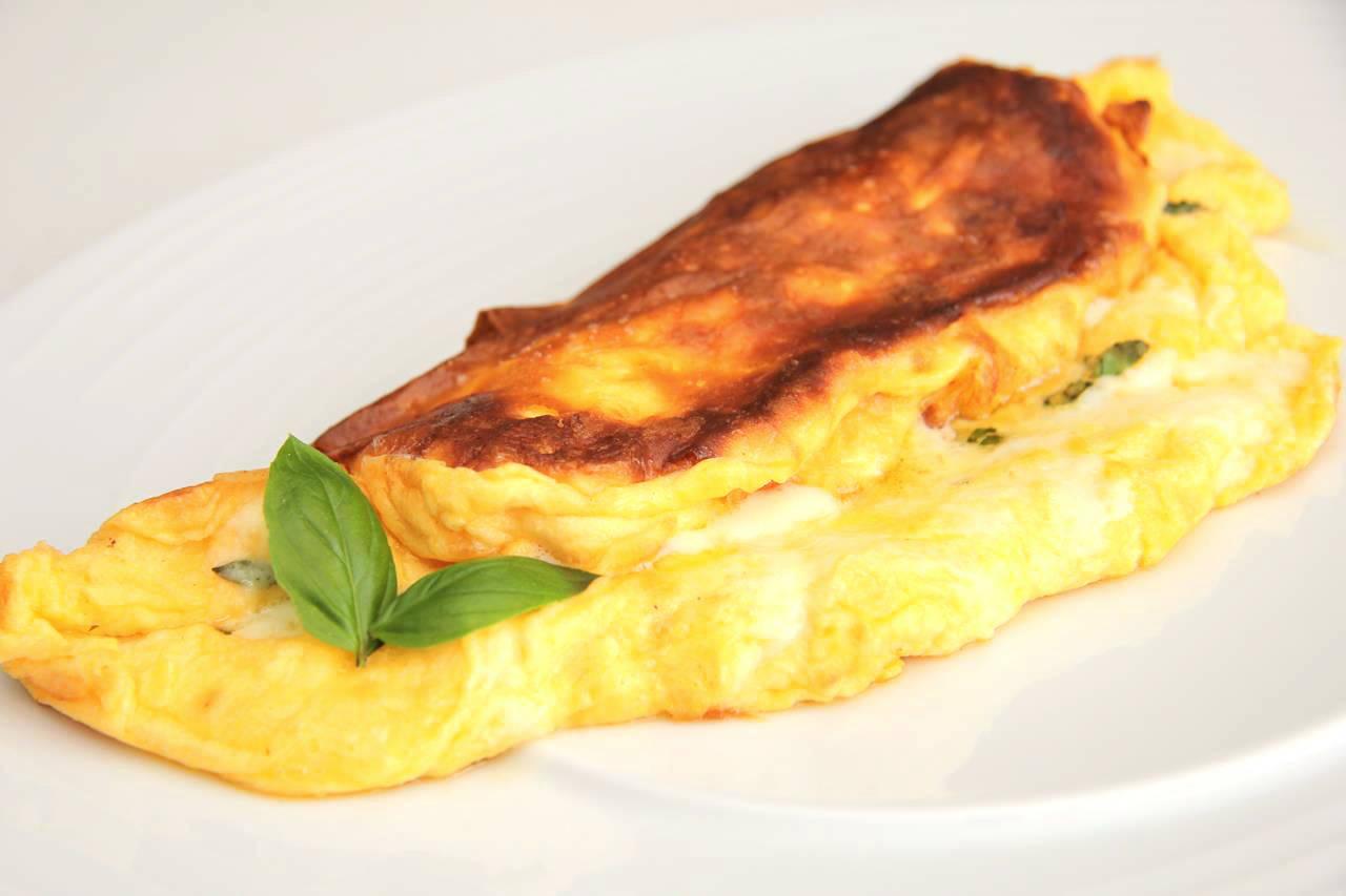 Habkönnyű sajtos omlett recept főfotó