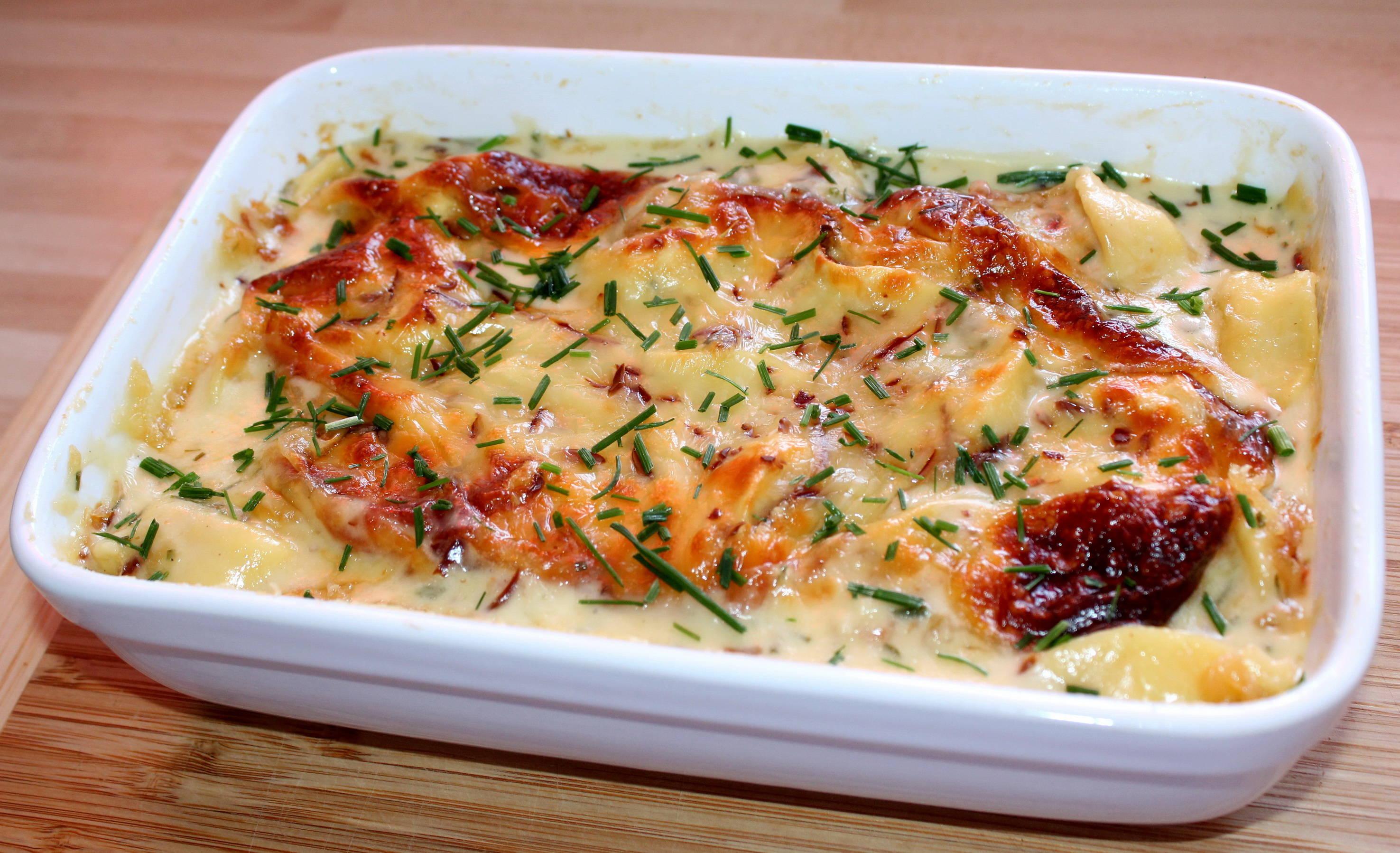 Sajtszószban sült tortellini recept főfotó