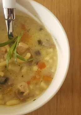 Tárkonyos, tejszínes csirkeragu leves