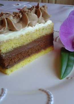 Piskóta szelet fehér és barna párizsi csokival