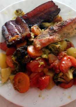 Csirkemell, fűszeres zöldségágyon