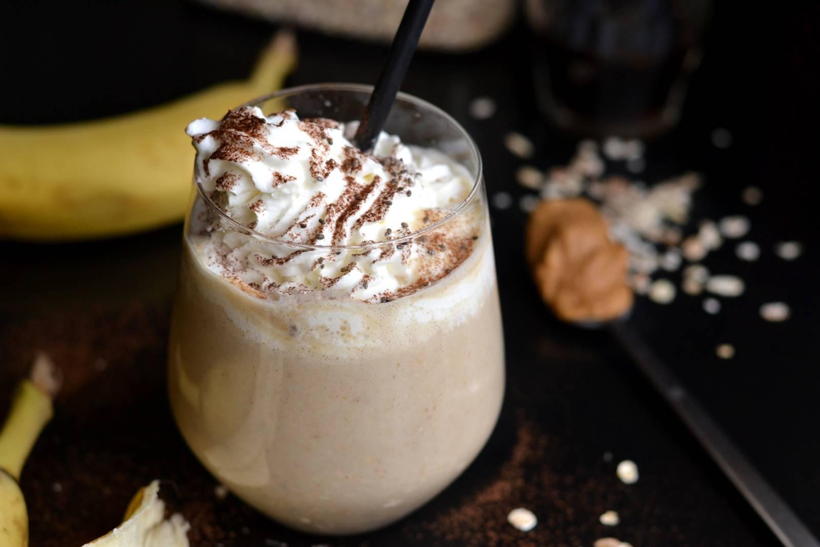 Zabpelyhes, banános reggeli smoothie recept főfotó