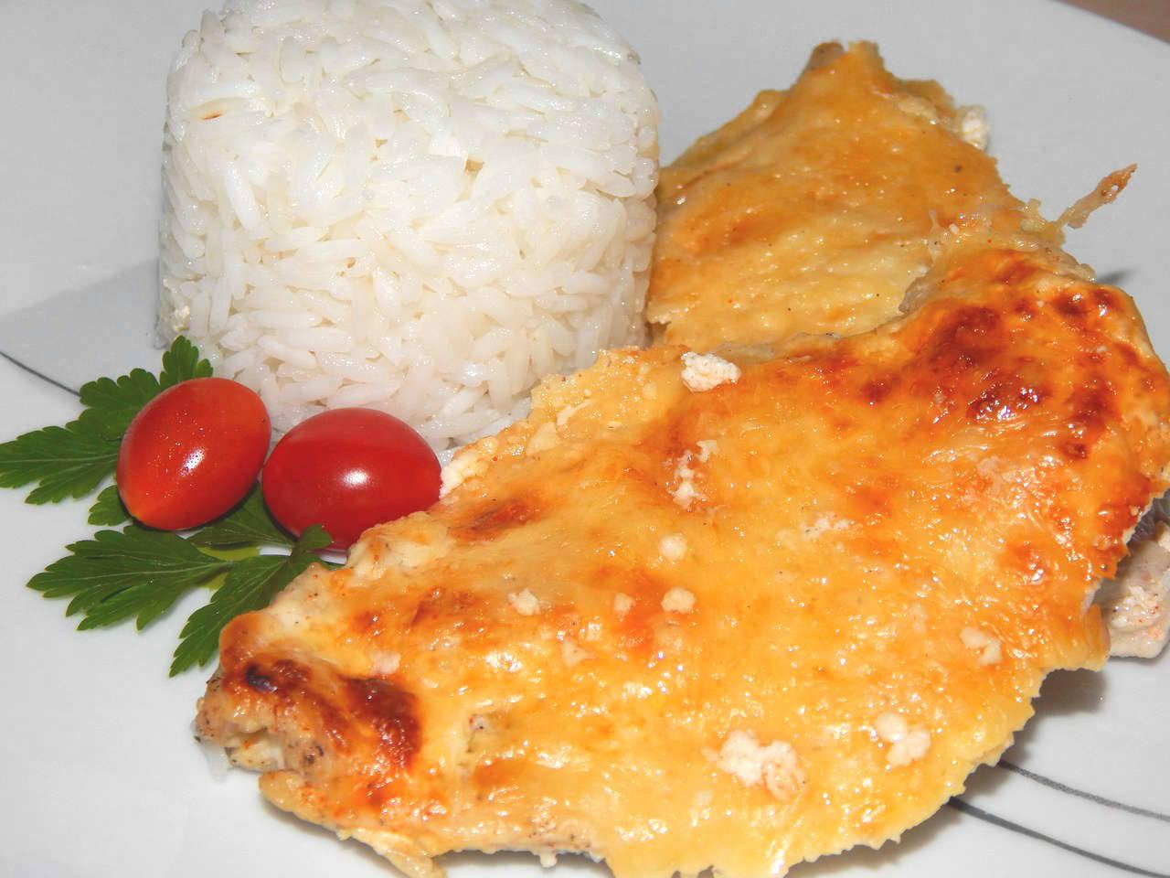 Tejfölös, sajtos csirkemell recept főfotó
