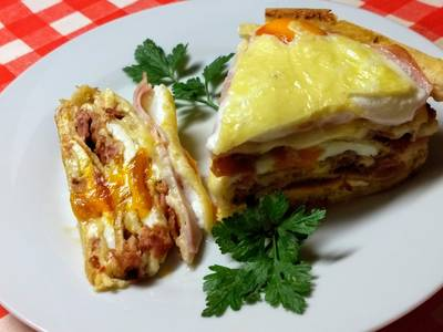 Ham and eggs palacsinta torta