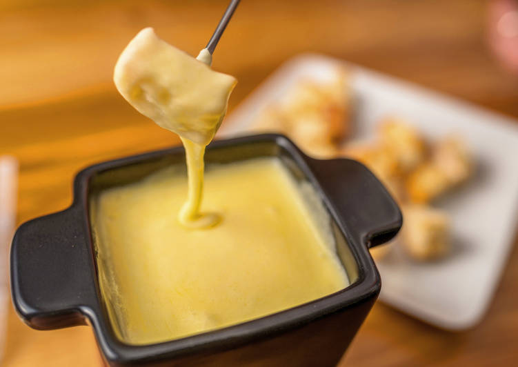 Klasszikus sajt fondue
