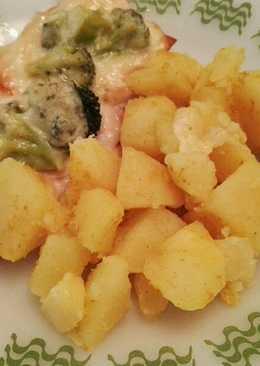 Tejszínes, füstölt sajtos csirke, brokkoli rózsákkal