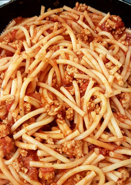 Paradicsomtészta (Őri Ilona módra) (Avagy bolognai spagetti, esetünkben makaróni)