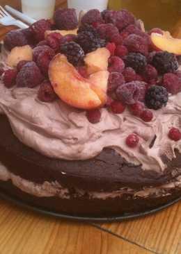 Mascarpones csoki torta gyümölcsökkel