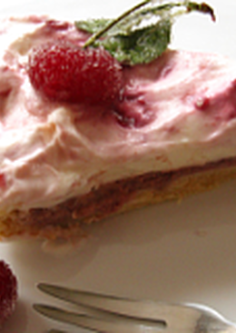 Meggyes-krémsajtos torta
